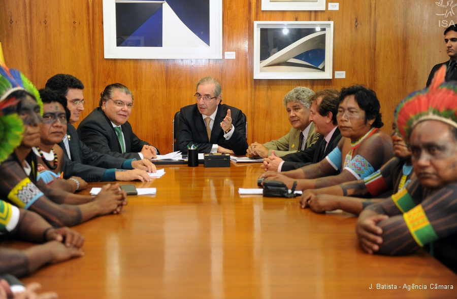 Indíos Kayapó se reúnem com Cunha pedindo o arquivamento definitivo da PEC 215 - Foto: J. Batista/Agência Câmara